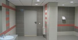 Дизайн помещения с плиткой Грес технический бренда Пиастрелла с рисунком соль-перец