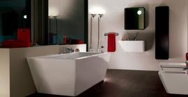 Дизайн ванной комнаты с акриловой ванной бренда Laufen коллекции Alessi Dot, прямоугольная, белого цвета
